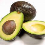 アボカドの栄養や効果効能は?食べすぎはどうなるの?白内障や認知症にも効果的な森のバター!