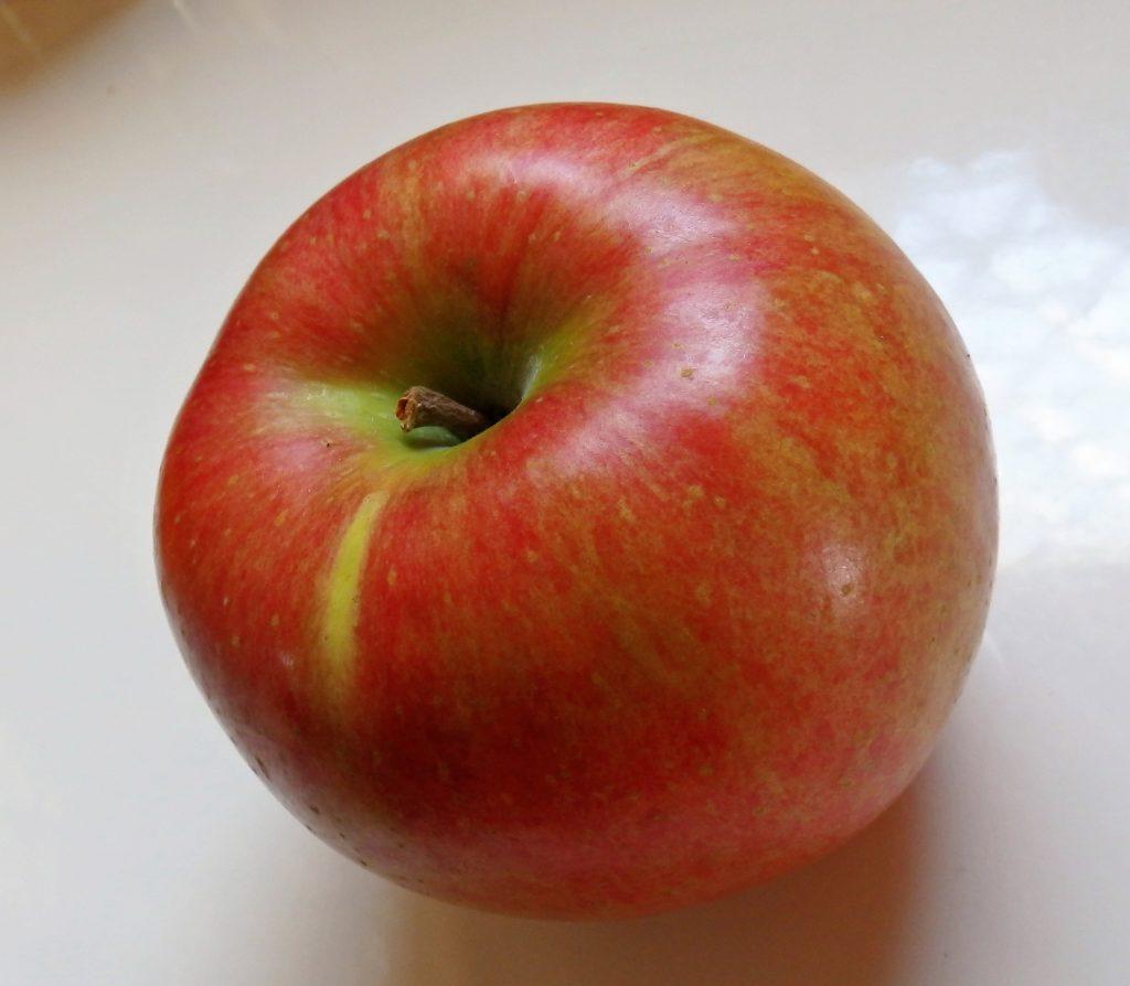 りんごは皮ごと食べる?農薬のべたつきではなく、実は栄養がたっぷり!