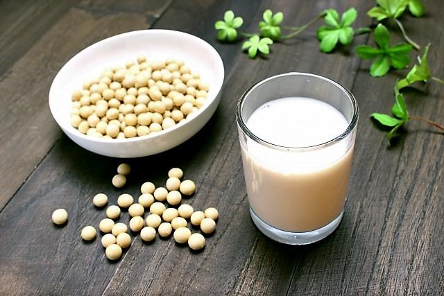 豆乳の効果は女性と男性では?毎日いつ飲む?髪の毛や更年期、筋肉にも効果的!