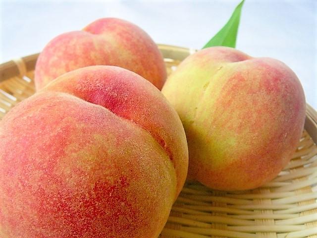 桃の栄養と効能は?皮も食べる?美肌効果や食べ過ぎると?効果的な摂取量は?