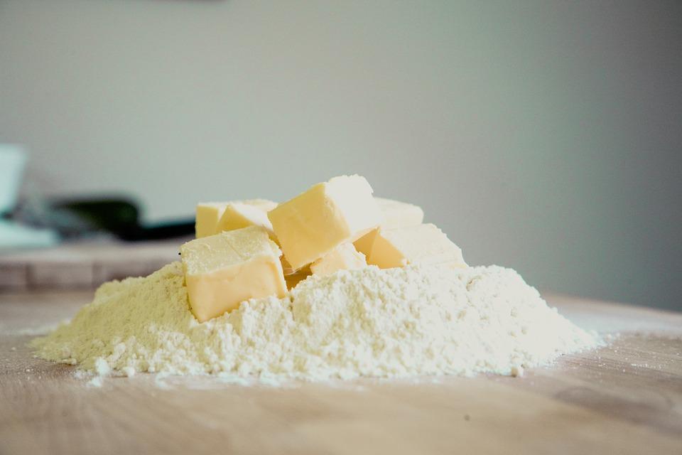 小麦粉の賞味期限切れ、開封済みや未開封は冷蔵庫、常温で半年、1年、1ヶ月大丈夫?使い道、活用法は?